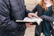 "[audio mp3=""https://radiomaria.org.ar/_audios/56126.mp3""][/audio] 10/05/2021 -En Juan Juan 15,26-27.16,1-4a. Jesús nos Cuando venga el Paráclito que yo les enviaré desde el Padre, el Espíritu de…"