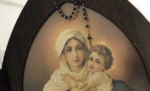 """Los martes, en """"Sal y Luz"""", compartimos el ciclo """"De la mano de María"""" junto a lahermana…"""