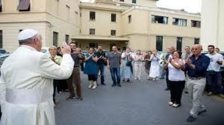 El Santo Padre ya había mostrado su preocupación laboral cuando visitó a los trabajadores de la industria vaticana.