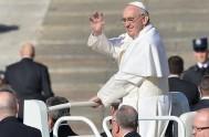 16/09/2013 - Lo dijo el Santo Padre en la misa de la Casa Santa Marta, donde agrego que los cristianos no deben tener…