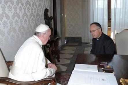 El Papa Francisco y el sacerdote jesuita Antonio Spadaro.