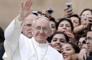 23/09/2013 - En su visita a la isla italiana de Cerdeña, el Santo Padre no se privó de dirigirle unas palabras a los…