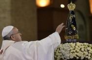 23/10/2013 - En la catequesis que ofreció Francisco en la audiencia general del hoy,se centró en Maria como imagen y modelo de la…