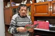 19/11/2013 - Este italiano de 53 años, con tumores, en todo el cuerpo por la enfermedad de la neurofibromatosis, recibió un cariñoso abrazo…