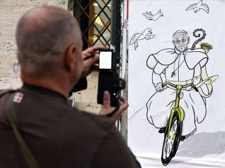 El nuevo dibujo alusivo al Papa Francisco que sorprende a los romanos.