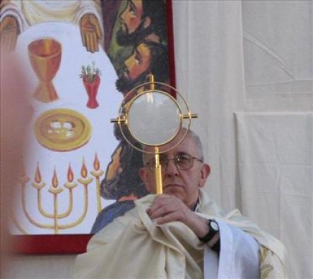 En la misa en Santa Marta, destacó que