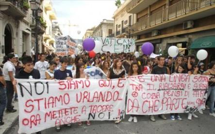 En Calabria, Francisco recibirá en primera persona los reclamos de la comunidad contra la mafia.