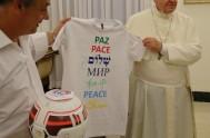 """08/09/2014 – """"Mirando la historia de María nos preguntamos: ¿Estamos dejando que Dios camine con nosotros?"""", se preguntó el Papa Francisco en la…"""