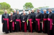 18/09/2014 – El Santo Padre recibió en la Santa Sede a los obispos consagrados a los largo de este año. Francisco se alegró…