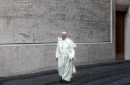 07/10/2014 – En la homilía de esta mañana de Santa Marta, Francisco invitó a que cuando recemos no olvidemos nuestra historia. Porque ha…