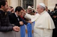 """27/11/2014 –""""No hay que ceder ante la depresión, aún en medio de las dificultades"""", afirmó el Papa Francisco durante la homilía en la…"""