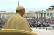 12/11/2014 – El Papa Francisco expresó, en la audiencia en la Plaza de San Pedro, su cercanía a los mexicanos que están presentes…