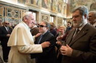 """30/12/2014 – """"El tiempo dedicado a los enfermos es santo, es alabanza a Dios"""". Lo afirmó Papa Francisco en el Mensaje para la…"""