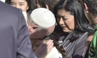 """19/12/2014 - """"Que la Iglesia sea madre, y no una empresa"""", pidió el Papa Francisco en la misa de Santa Marta. De este modo, el Pontífice habló de la """"nueva creación"""", representada…"""