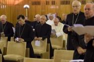 El #PapaFrancisco se fue de retiro espiritual junto a la #CuriaRomana y nos pidió que…