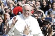 """16/03/2015 – """"¡Dios nos ama!, ¡Dios nos ama!"""", exclamó el Papa Francisco al aparecer en este cuarto domingo de Cuaresma en la ventana…"""