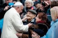 04/03/2015 – Esta mañana, en su catequesis, el Papa Francisco indicó que la audiencia general de hoy en la Plaza San Pedro, como…
