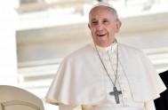 22/04/2015 – En la audiencia general de hoy miércoles, el Papa Francisco continuó, ante miles de peregrinos congregados en la Plaza San Pedro,…