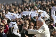 13/05/2015 – En la audiencia general de hoy miércoles el Papa Francisco, frente a los miles de peregrinos congregados en la Plaza San…