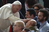 10/06/2015- En la audiencia general de hoy el Papa Francisco continuó con la catequesis sobre la familia. En esta ocasión, el Santo Padre…