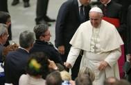 """11/06/2015 – En su homilía del día de hoy en la Casa Santa Marta, el Papa Francisco se basó en el trinomio """"Camino,…"""