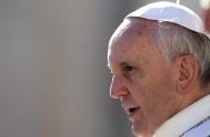03/06/2015 – En la audiencia general de hoy el Obispo de Roma continuó con las catequesis acerca de la familia. Frente a una…