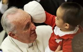 24/06/2015 – En la audiencia general de hoy miércoles, el Papa Francisco, frente a miles de fieles congregados en la…