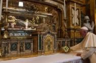 17/07/2015 – Con motivo del Bicentenario del nacimiento de Don Bosco,el Papa Francisco envió una carta a la familia salesiana, en la persona…