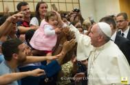 24/08/2015 – En el día de ayer el Papa Francisco rezó el ángelus junto a miles de personas congregadas en la Plaza…