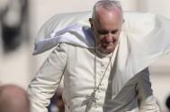 07/09/2015 – En la misa matutina de Santa Martha el Papa Francisco dijo, hoy tantos cristianos continúan siendo perseguidos, en el silencio cómplice…