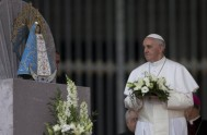 "15/09/2015 – El Papa Francisco en la misa matutina de la Casa Santa Martha dijo que ""La Iglesia es madre"", no…"