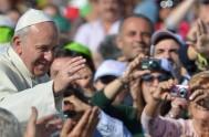 04/09/2015 – El Papa Francisco, en la Misa matutina en Casa Santa Martha dijo que en la Iglesia hay una enfermedad: la de…