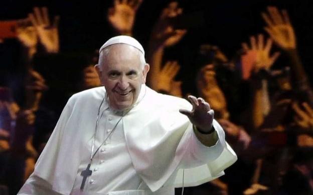 08/10/2015 – Dios jamás abandona a los justos, mientras quienes siembran el mal son como desconocidos, de los cuales el cielo no recuerda su nombre. Es la enseñanza que el Papa Francisco…