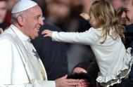 14/10/2015 – En la audiencia general del día de hoy el Papa Francisco centró su catequesis familiar en los niños, más específicamente en…