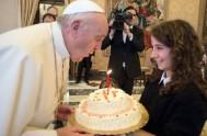 18/12/2015 – Al recibir a los chicos y chicas de la rama juvenil de la Acción Católica Italiana, el Papa Francisco los invitó…