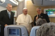 01/12/2015 – Papa Francisco ofreció una rueda de prensa a los periodistas que lo acompañaron en su primera e histórica visita a África…