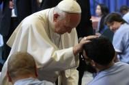 19/01/2016- Dios no se detiene ante las apariencias, sino que ve con el corazón,señaló el Papa Francisco en su homilía, en la Misa…