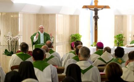 04/02/2016 – La mayor herencia que podemos dejar a los demás es la fe. Lo afirmó el Papa Francisco en su homilía de la misa matutina celebrada en la Capilla de la…