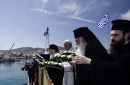 16/04/2016 – En el momento conmovedor dedicado a las víctimas de las migraciones, las oraciones del Patriarca de Constantinopla Bartolomé y del Arzobispo…