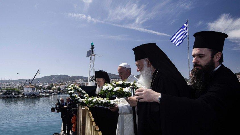 Oración Papa corona al mar