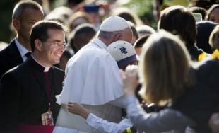 04/05/2016 -En la Audiencia General de hoyel Papa Francisco meditó sobre la parábola del Buen Pastor.En su catequesis el Obispo de Roma invitó a los miles de peregrinos reunidos en la plaza…