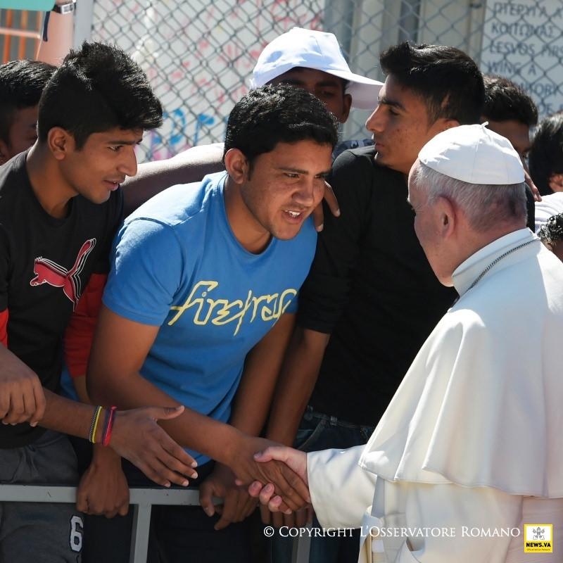Papa Fran y jovenes