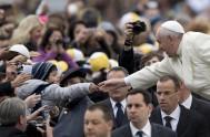 08/06/2016 – El Papa Francisco en su audiencia general de hoy continuó consu ciclo de catequesis sobre la misericordia en la Sagrada Escritura.…