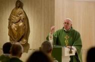 07/06/2016 – La batería del cristiano para iluminar es la oración. Es cuanto afirmó el Papa Francisco en su homilía de la Misa…