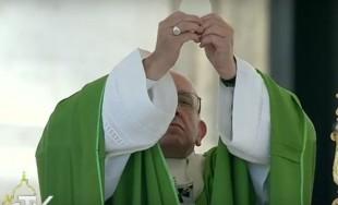 """27/09/2016 - ¿Qué sucede en nuestro corazón cuando experimentamos la """"desolación espiritual""""? Es la pregunta que el Papa Francisco planteó en su homilía de la Misa matutina centrada en la figura de…"""