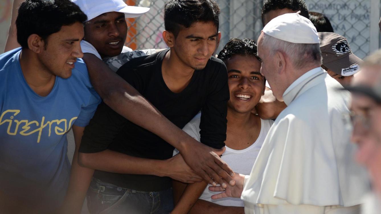 el-papa-francisco-regresara-a-roma-con-12-refugiados-de-la-isla-de-lesbos