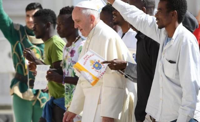 26/10/2016 - En su Audiencia General de hoy en Papa Francisco retomó, para continuar, el tema de la misericordia en en su catequesis. Texto completo de la catequesis del Papa Francisco Queridos…