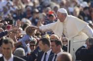 12/10/2016 – El Papa Francisco , en la audiencia general de hoy continuó consu ciclo de catequesis sobre la misericordia en la Sagrada…