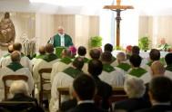 """15/11/2016 – Estar atentos para no convertirse en """"cristianos tibios"""", porque así perdemos de vista al Señor. Fue la advertencia del Papa Francisco…"""