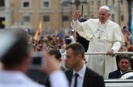 14/12/2016 – En la Audiencia General de hoy el Papa Francisco dio continuidad a suciclo de catequesis sobre la virtud de los pequeños,…